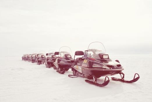 Mit den Snowmobilen zum Eisbrecher in Kemi